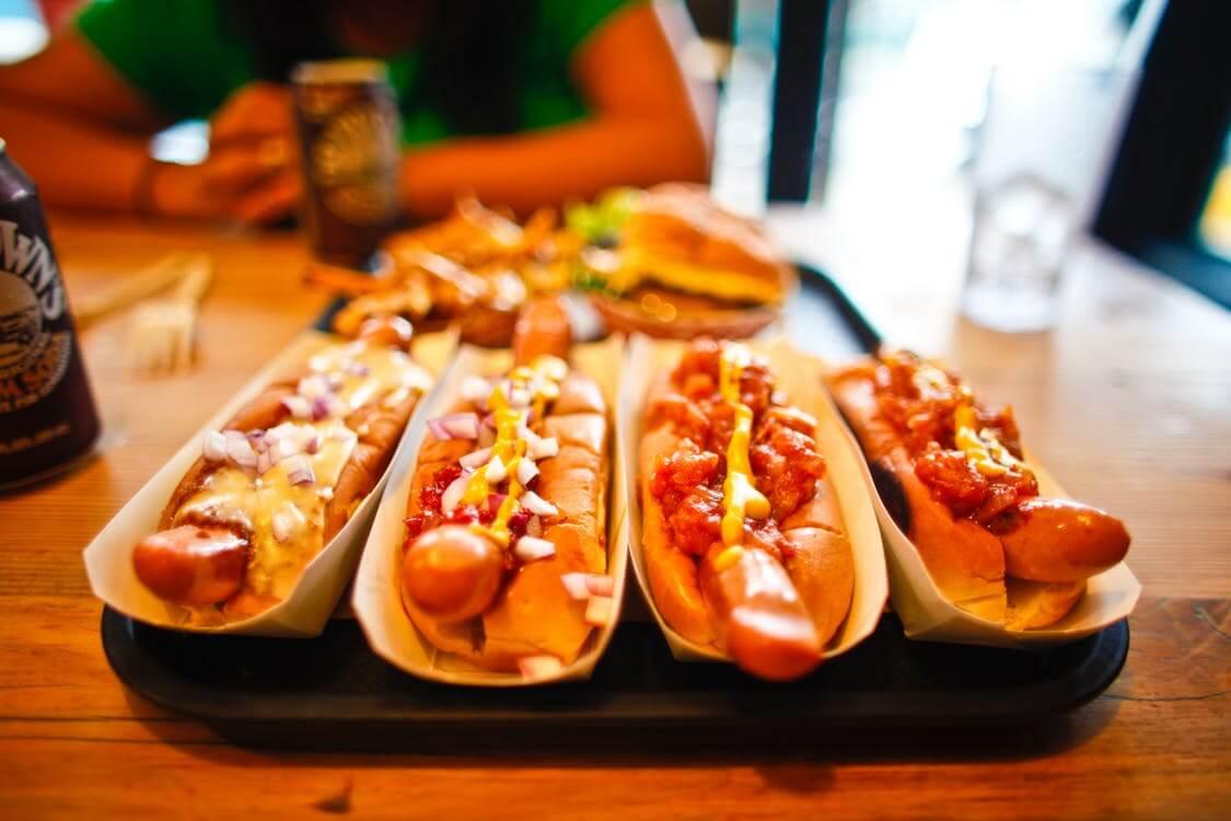 sniadanie parowki hot dog